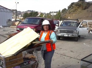Sandy scavenging at the dump